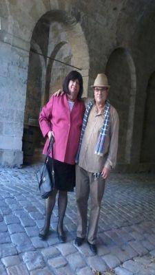 Mireille avec  un ami   ,  en visite  à la Citadelle de Blaye