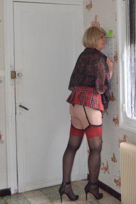 Vraiment trop courte ma jupette écossaise!!!!