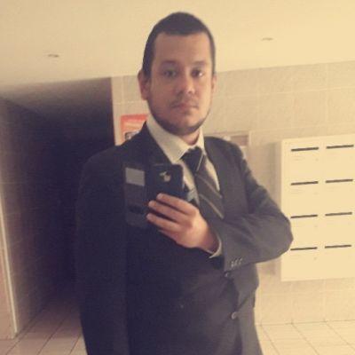 Parfois, il m'arrive d'être en tenue chic de travail...